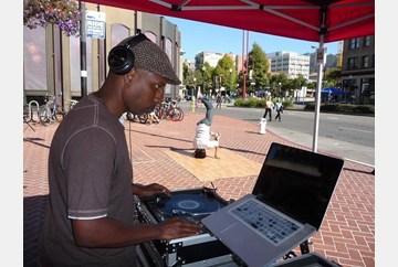 DJ O Aces at work