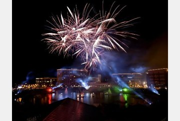 Hollydazzle celbration in Newport News