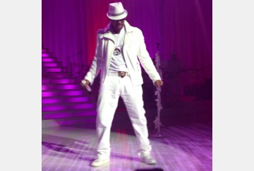 Front row at the R. Kelly concert Norfolk 12/9/12