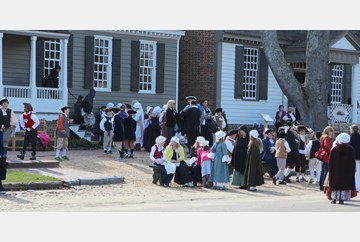 Out-of-state school group visits Colonial Williamsburg.