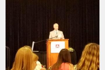 Gordon Hoodak accepts the Art of Leadership Legacy Award for Lauer's Park Elementary